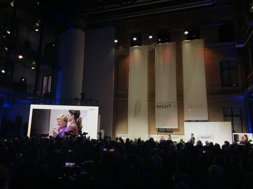 Königin Rania übergab Angela Merkel die Ehren-Victoria