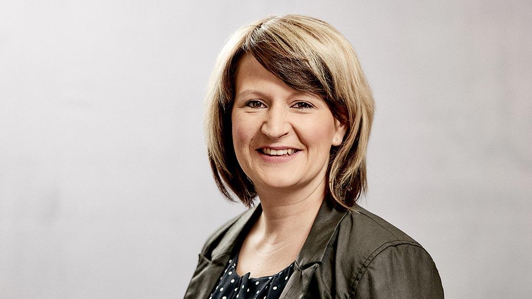 Claudia Hoffmann, Analyst, semcona